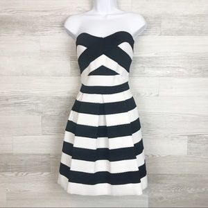 Express Structured Knit Strapless Dress Size M